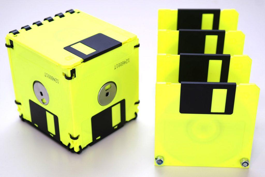 3,5 Zoll Disketten-Box mit Deckel und Briefsortierer in Neon-Gelb
