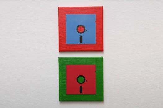 5.25 Zoll Floppy Disk Duo in Blau, Rot und Grün