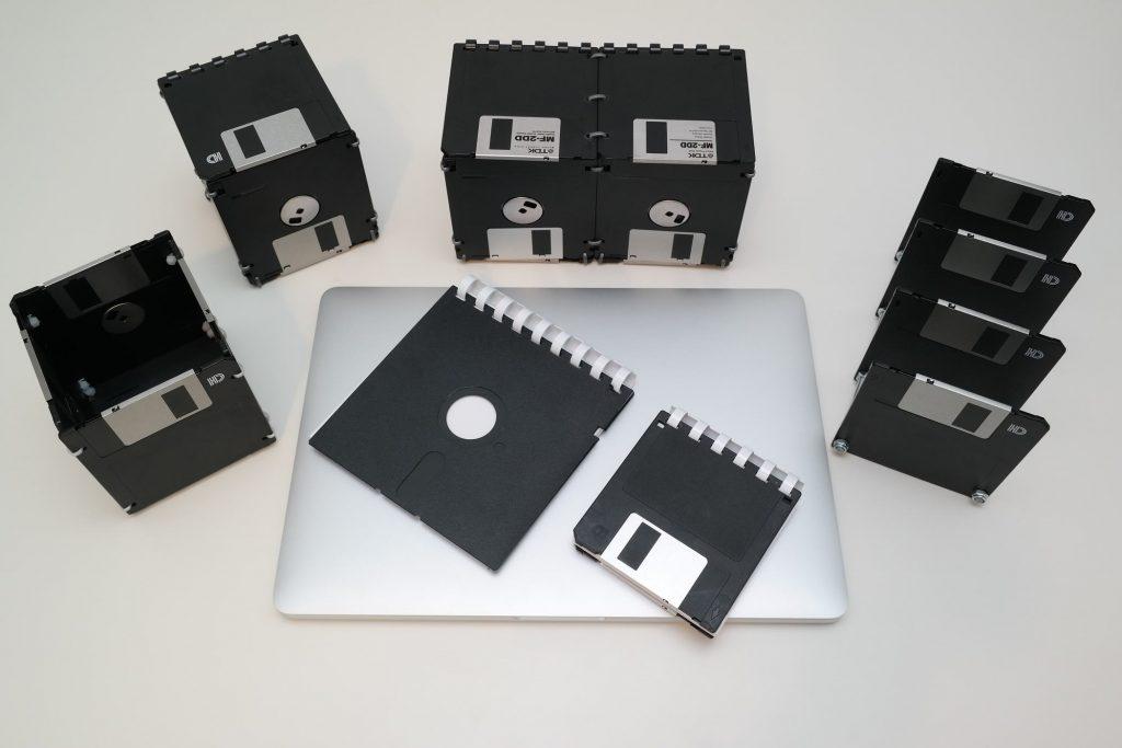 6-teiliges Floppy-Disk-Schreibtisch-Seit in Schwarz