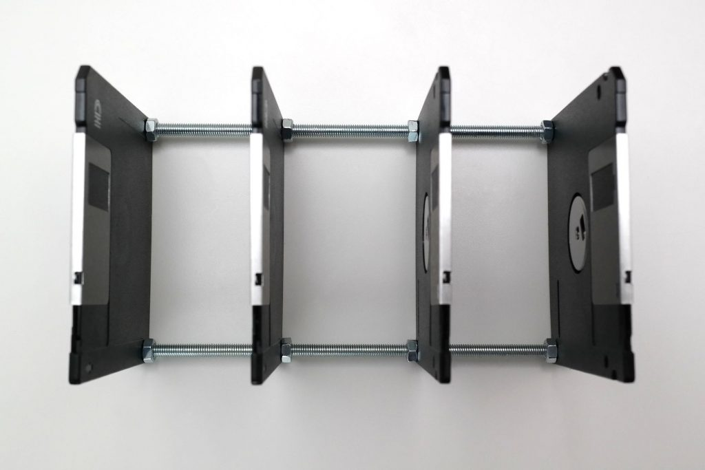 Alte Disketten werden zu neuem Briefsortierer
