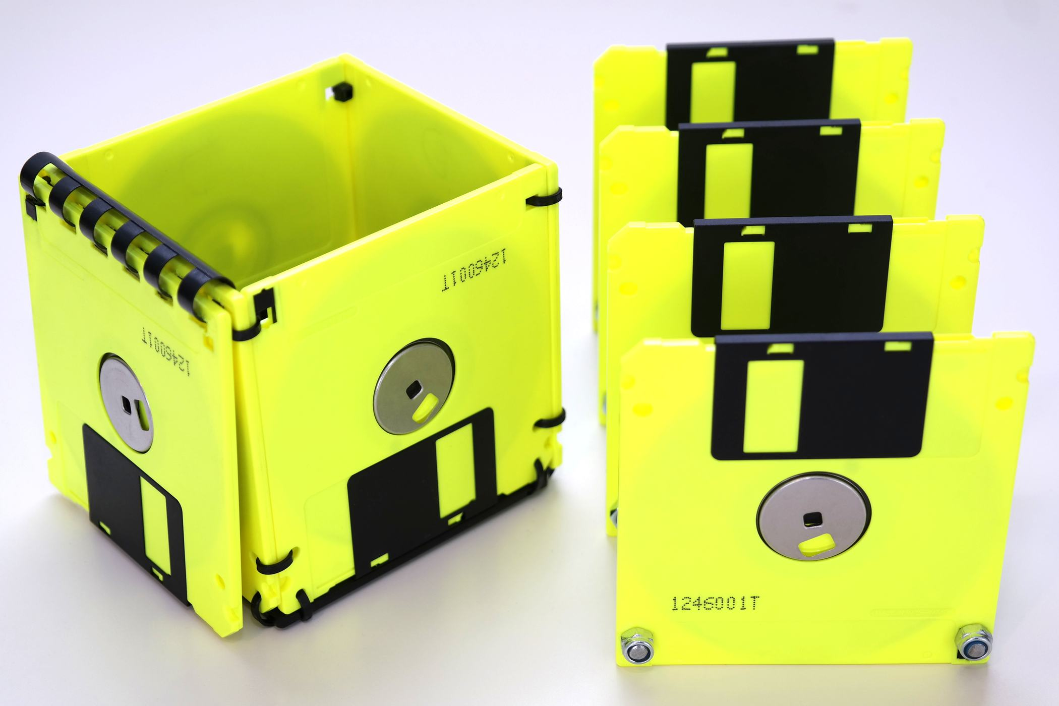 floppy fun 3 5 zoll floppy disk set in neon gelb und. Black Bedroom Furniture Sets. Home Design Ideas