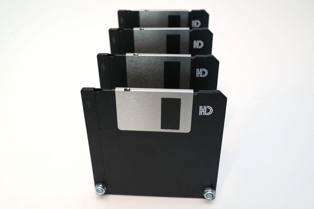 Disketten-Briefsortierer, Ansicht von vorne