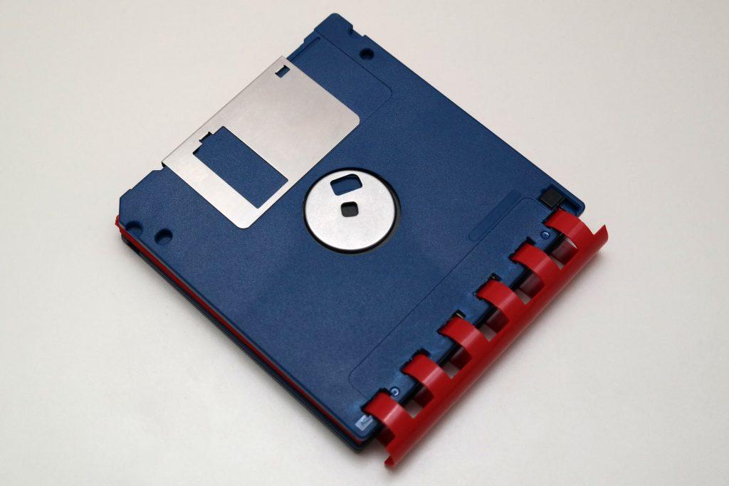 Disketten-Notizblock in Blau/Rot - Unterseite