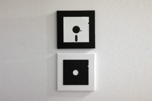 Floppy Disk Komposition - Black & White