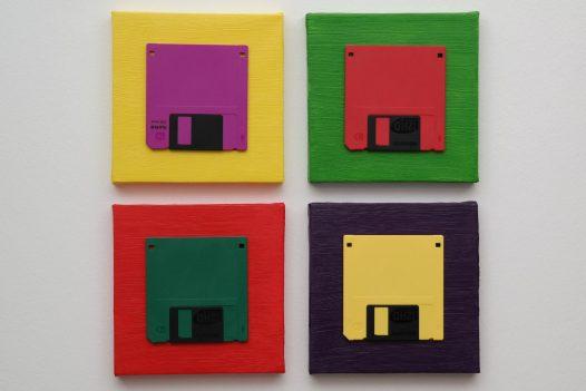 Floppy Pop-Art – Vier 3,5 Zoll Disketten auf Leinwand