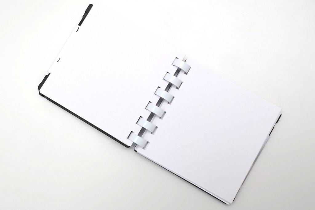 FloppyDisk-Notizblock, aufgepappt, Innenansicht von oben