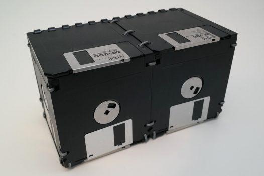 Große Schreibtisch-Box, handgefertigt aus 3,5-Zoll Floppy-Disks