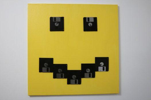Smilie - 3,5 Zoll Disketten auf Leinwand in Gelb und Schwarz